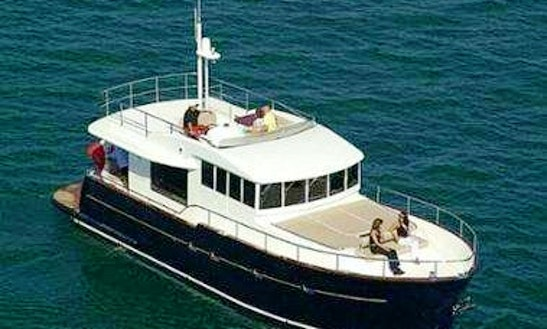 54ft Cantiere Estensi Maine 530 Cuddy Cabin/walk Around Boat Rental In Syracuse, Italy