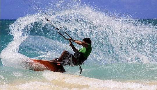 Kiteboarding Lesson In Kailua, Hawaii