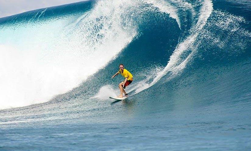 Enjoy Surfing Tours In Moorea,French Polynesia