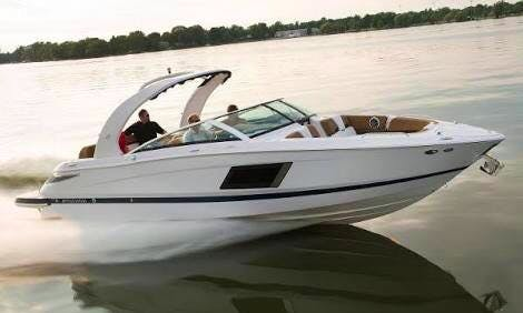 31' bowrider in Cancún, Mexico enjoy a day trip on your own private boat