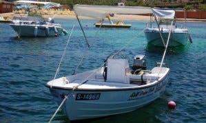 3-Hours Self-Drive Boat Rental for 4 People in Il-Mellieħa, Malta