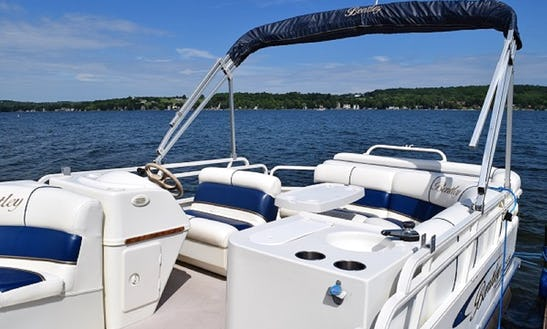 24' Bentley Pontoon Boat On Beautiful Conesus Lake, Ny