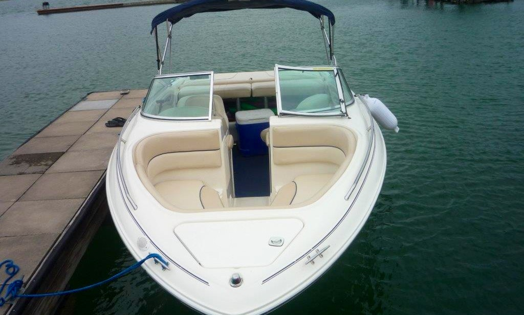 Frank's Boats on Lake Travis - 21 ft Sea Ray with toys and