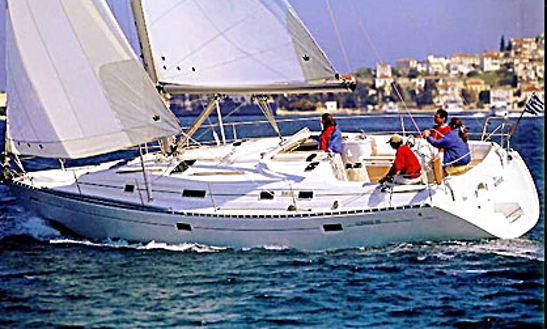 Charter Oceanis 331 Clipper Cruising Monohull In Favignana, Sicilia