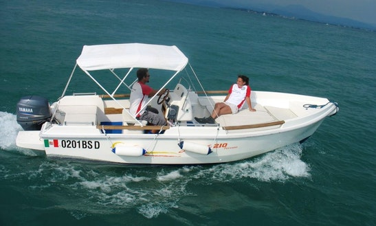 Rent 20' Gaia Center Console In Desenzano Del Garda, Italy