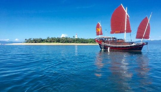 Great Barrier Reef And Isles Tour On