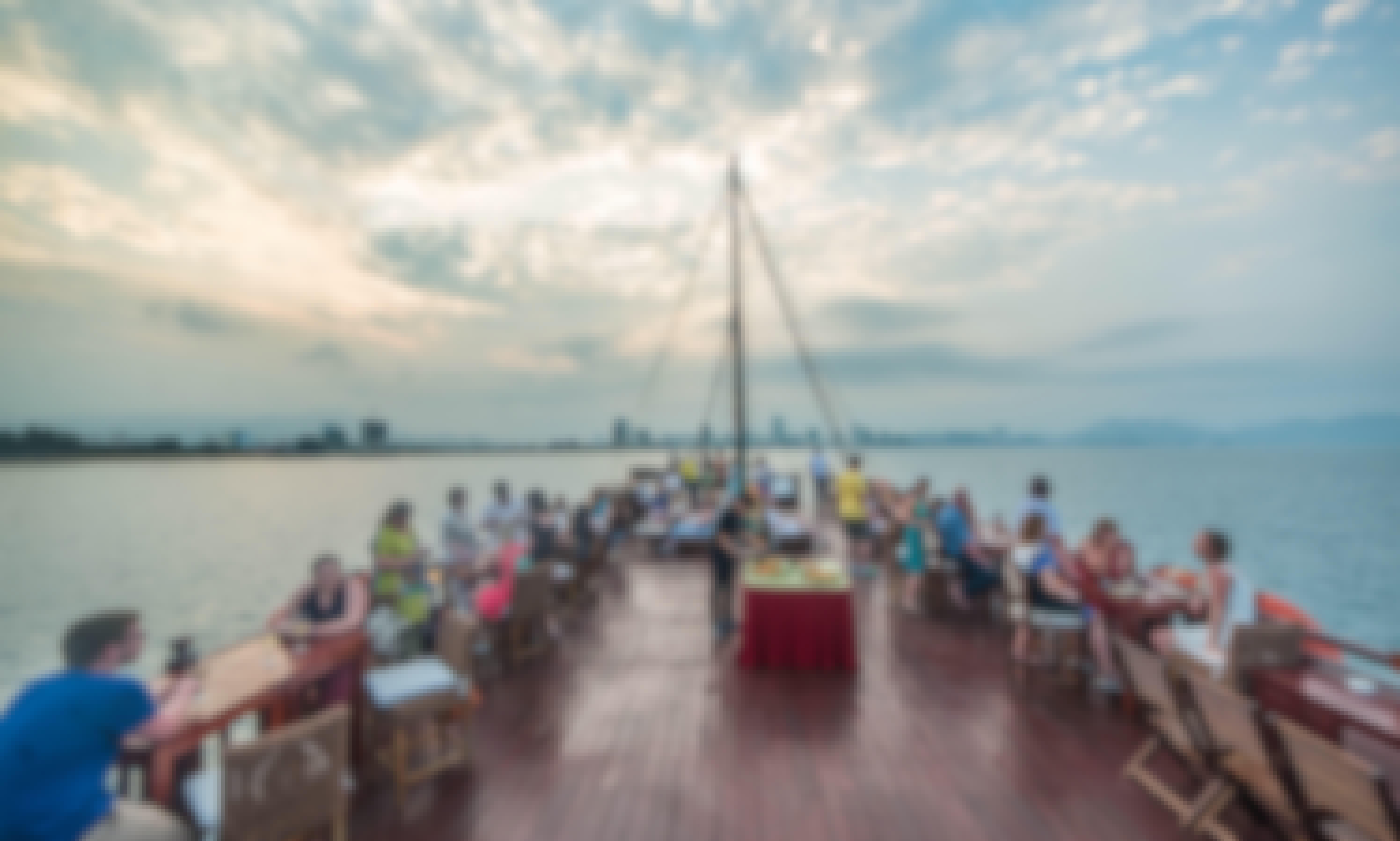 Nha Trang Sunset Cocktail Dinner Cruise