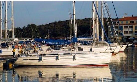 Charter 34' Bavaria Cruising Monohull In Poreč, Croatia