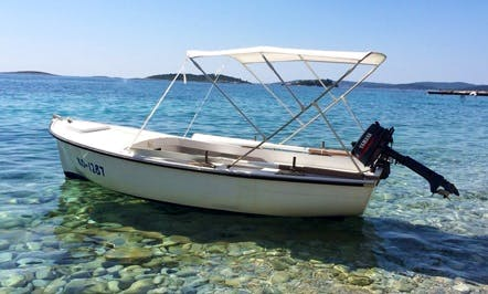 Rent 16' Dinghy in Komiža, Croatia