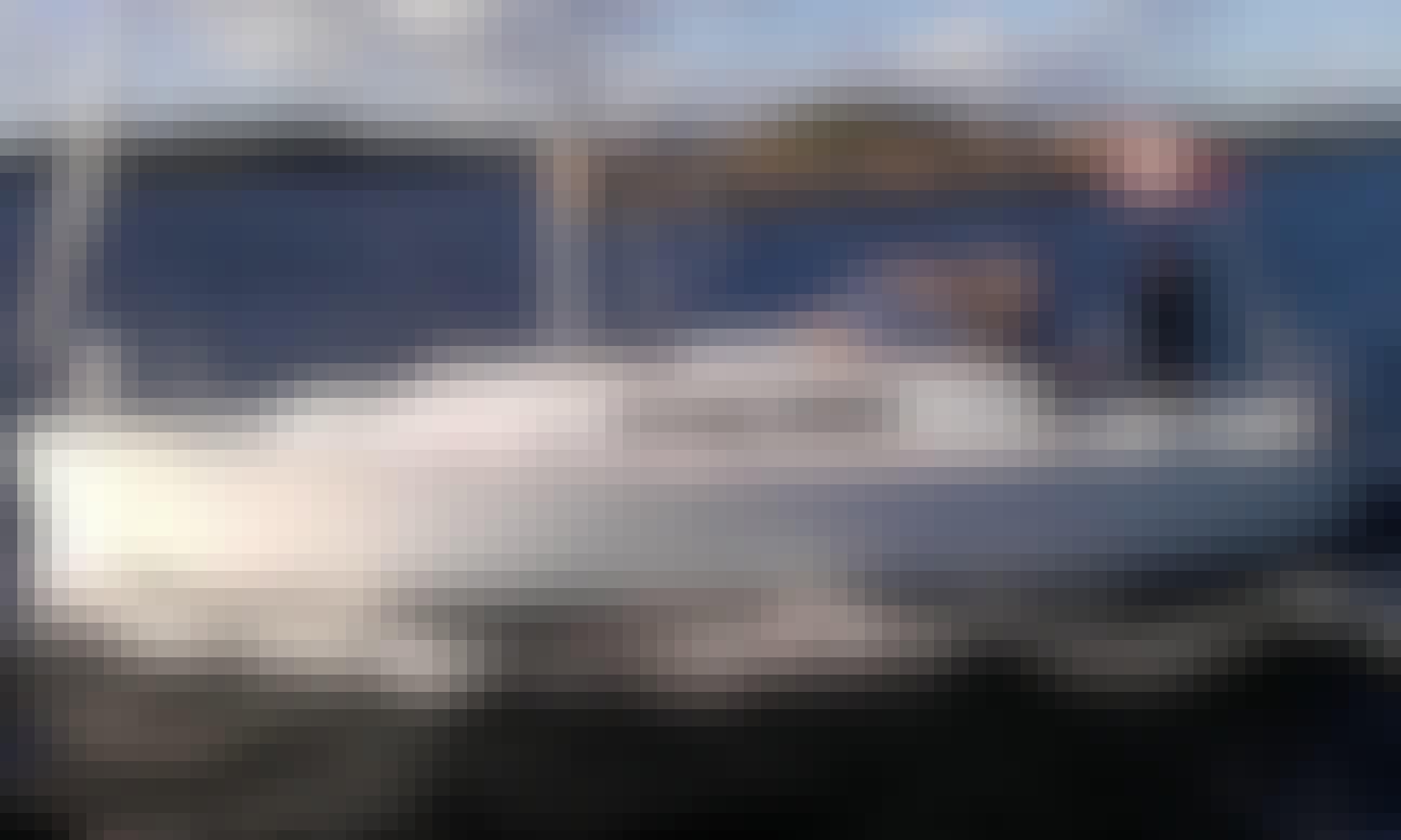 Charter 33' Jeanneau Sun Odyssey 33i Crusing Monohull in Nordborg, Denmark