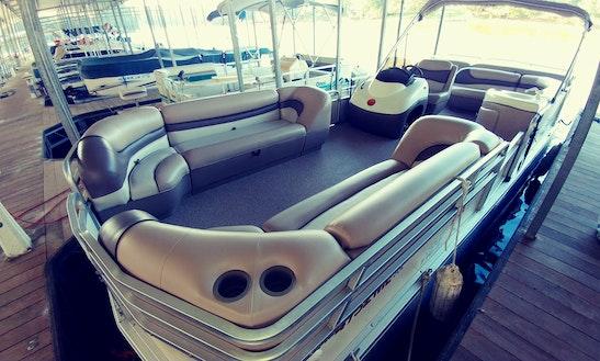 25' Pontoon Boat Rental In Wedowee, Alabama