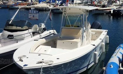Charter 26' Center Console in Saint-Jean-Cap-Ferrat, France