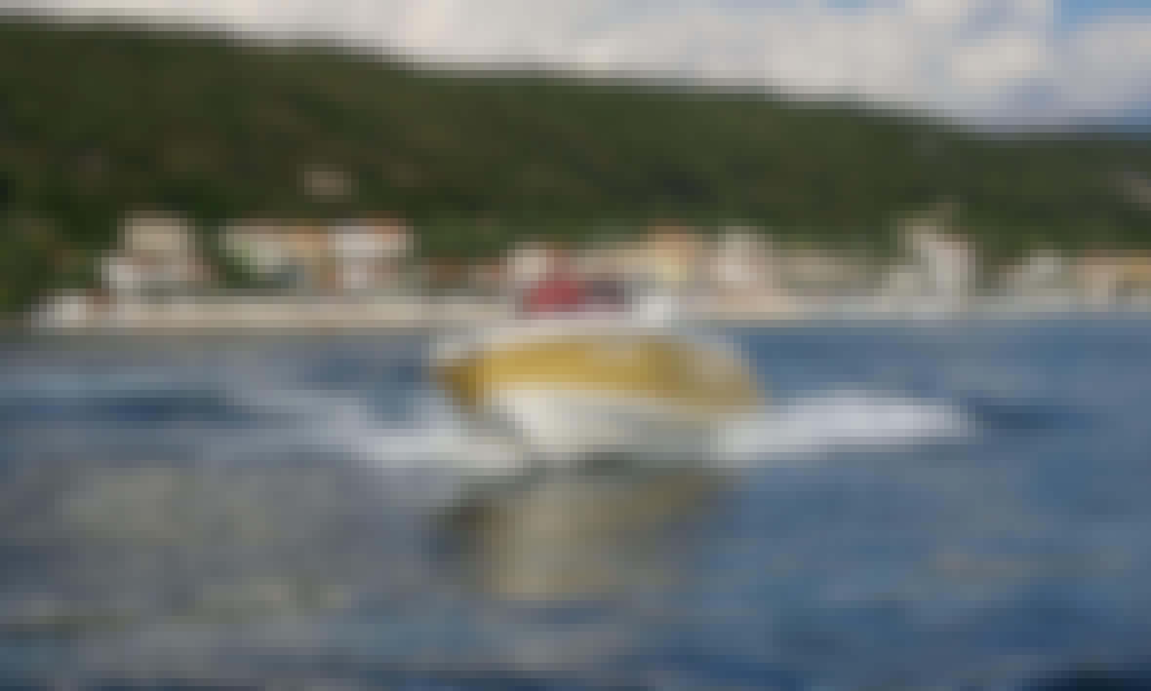 20' Fisher Center Console Charter in Supetarska Draga, Croatia