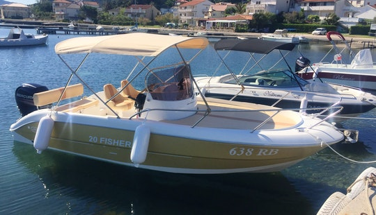 20' Fisher Center Console Charter In Supetarska Draga, Croatia