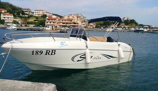 Rent 19' Saver Center Console In Supetarska Draga, Croatia