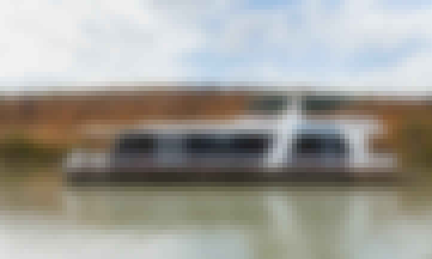 Charter a River Breeze Houseboat in Mannum, Australia