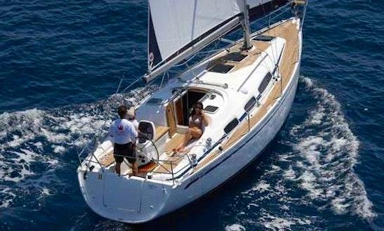 Charter 31' Bavaria Cruiser Cruising Monohull In Lemmer, Netherlands