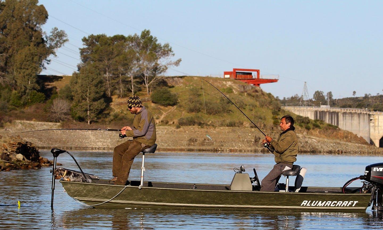 Fun Guided Fishing Trip in Alcántara, Spain