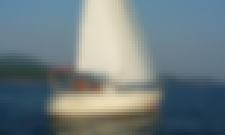 "Sailing Charter On 30ft ""S\Y Happiness 2"" Cruising Monohull In Herceg - Novi, Montenegro"