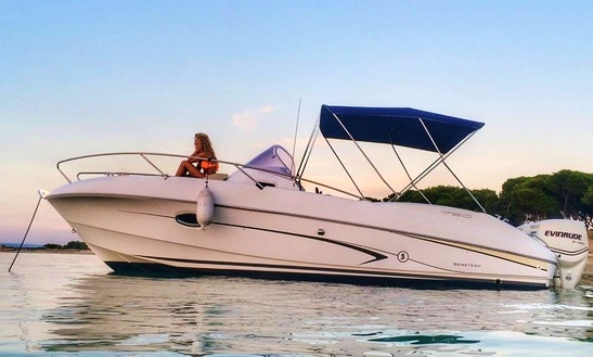 Charter 25' Beneteau Motor Yacht In Taranto, Puglia