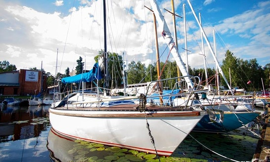 Sailing Yacht Charter For 8 Person In Jūrmala, Latvia