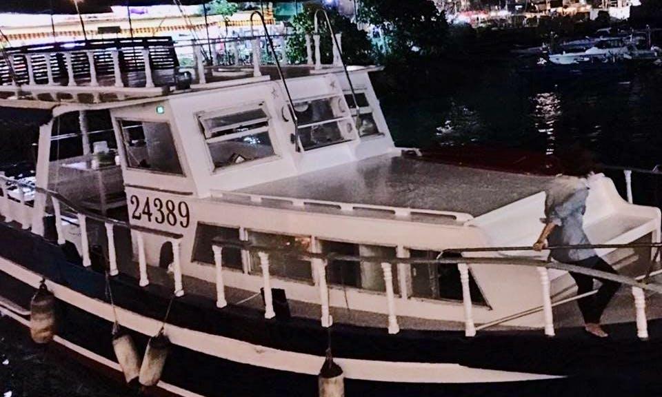 Charter 44' Motor Yacht in Cheung Chau, Hong Kong