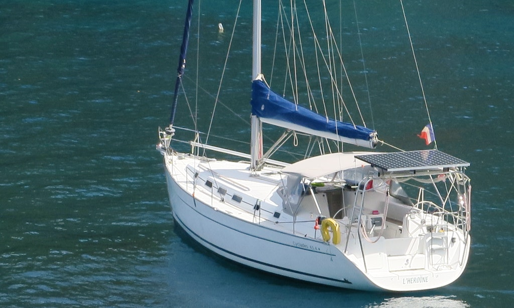 Cruising monohull rental in le marin getmyboat for Marin condos for rent