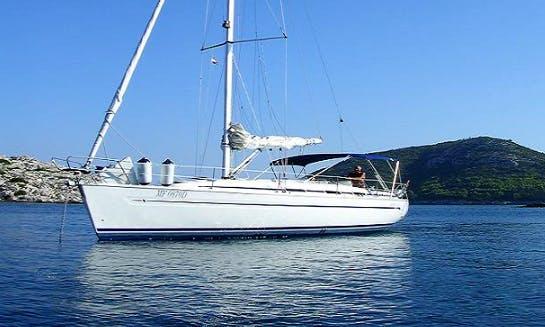 Charter 36' Bavaria Cruising Monohull in Vieste, Italy