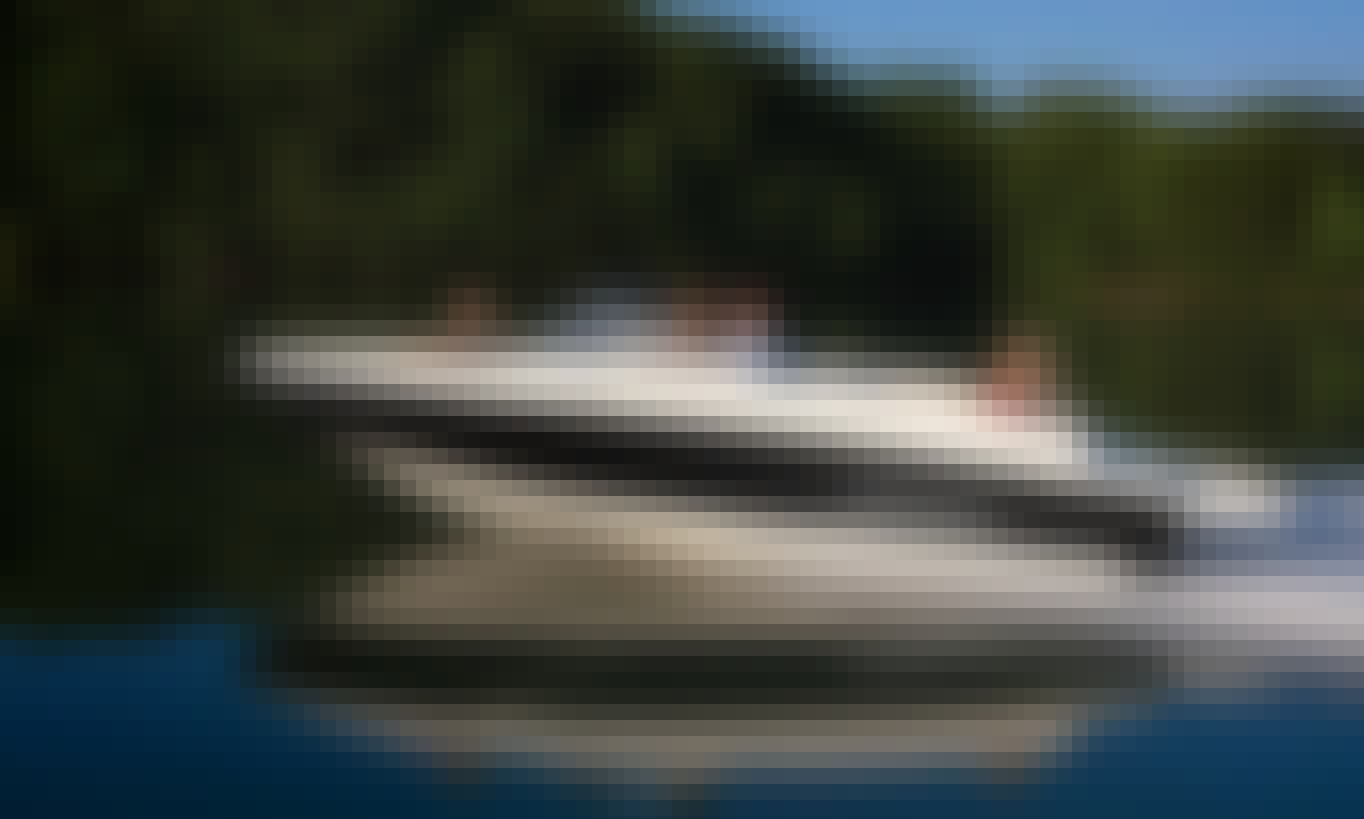 Speeboat for 7 people (Bayliner) for rent in Prague