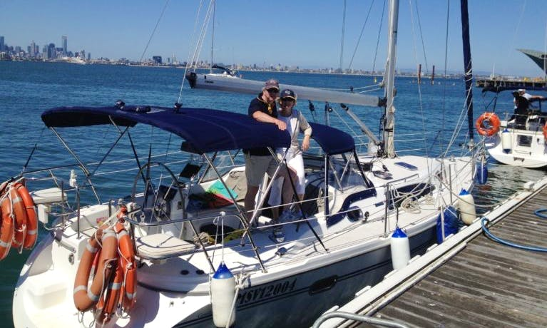 Rent Catalina 320 Cruising Monohull in Docklands, Victoria