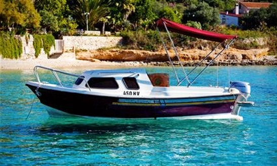 Rent 16' Arta Vela R Cuddy Cabin In Hvar, Croatia