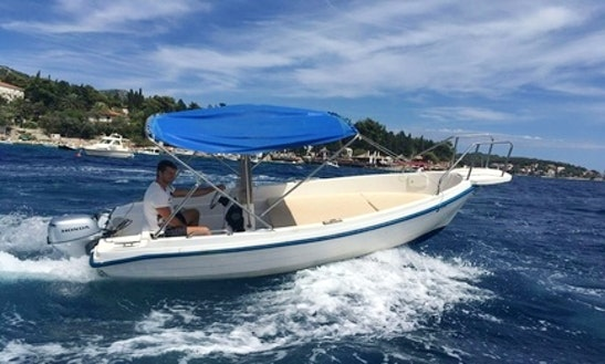 Rent 16' Reful Open Bowrider In Hvar, Croatia