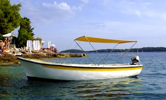 Rent 15' Pasara Dinghy In Hvar, Croatia