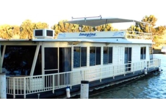 Houseboat Experience For 10 People In Mannum, Australia!