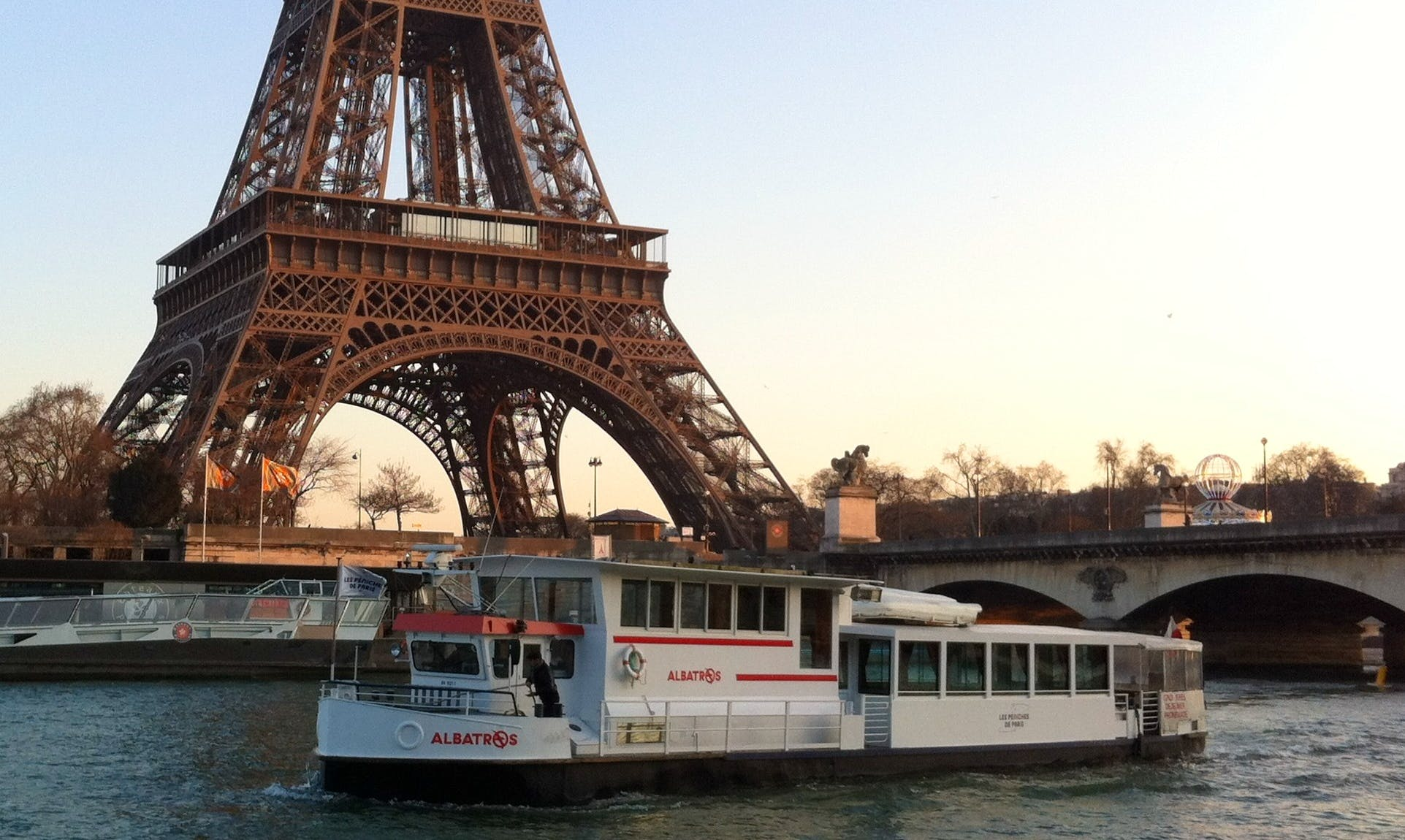 Charter a Albatros Canal Boat in Paris, France