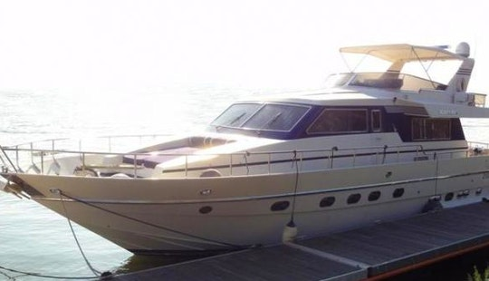 Charter 58' Canados Power Mega Yacht In Fiumicino, Lazio