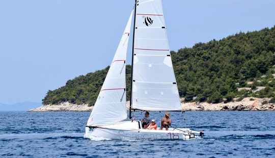 Rent 18' Seascape 18 Daysailer In Jezera, Croatia