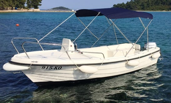 Center Console For Rent In Lumbarda