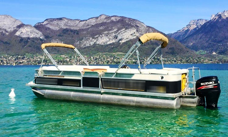 Charter a Pontoon in Annecy, France