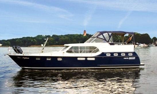 Charter 43' 125 Ultra New Line Motor Yacht In Rheinsberg, Germany