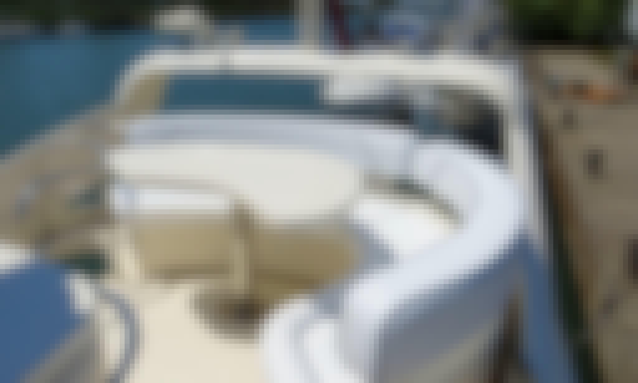 Aicon 52 Motor Yacht Charter in Roma, Italy