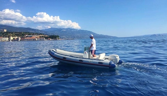 Rent A Semi-rigid Inflatable Boat For 4 People In Senj