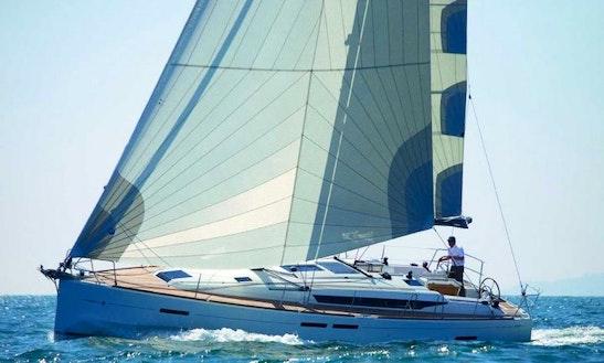 Charter 45' Jeanneau Sun Odyssey Cruising Monohull In Piombino, Toscana