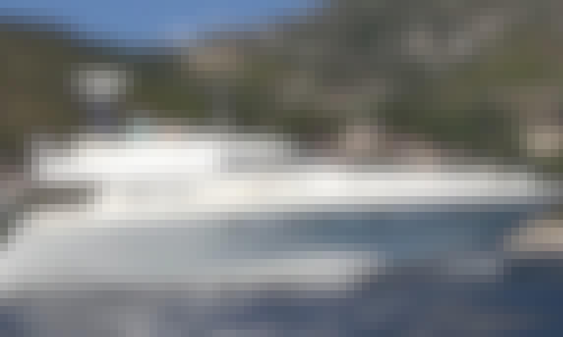 Charter 52' Power Mega Yacht in Villeneuve-Loubet, France