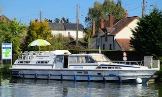 Charter an Eagle Houseboat in Briare, France