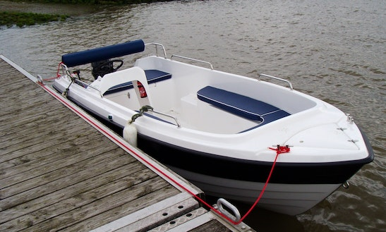 Rent 15' The Kruger Delta 470 Bowrider In Kollmar, Germany