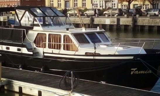 Rent 40' Tamia Motor Yacht  In Kollmar, Germany