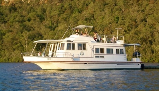 Charter 45' Super 10 Berth Houseboat In Wisemans Ferry, New South Wales