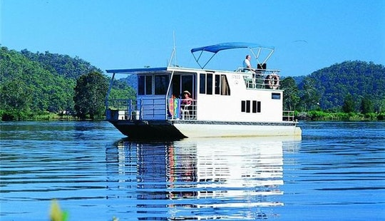 Charter 33' Executive Six Berth Houseboat In Wisemans Ferry, New South Wales