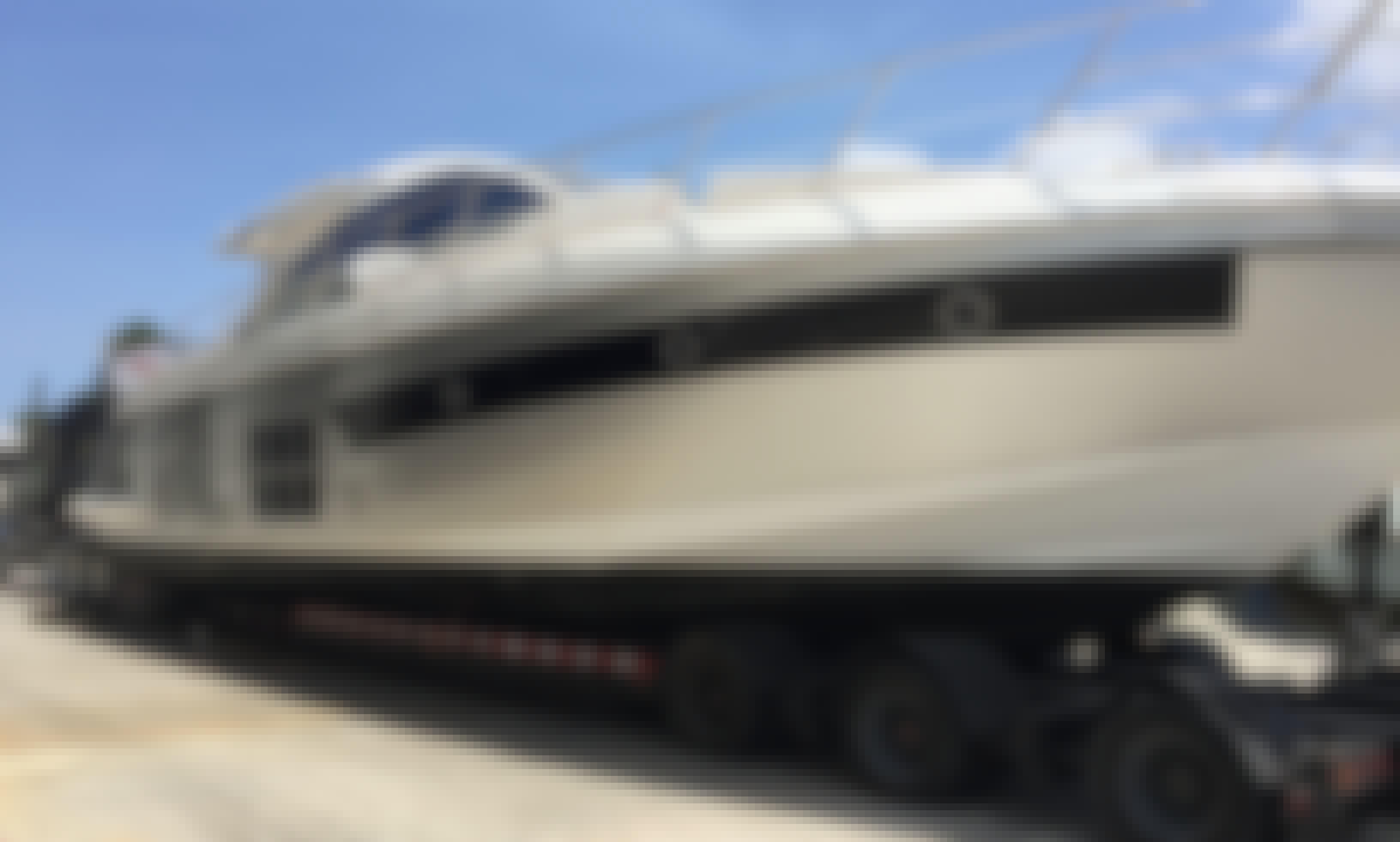 Cruising with Azimut 55s Motor Yacht on Lake of Ozarks